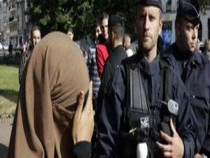 Fransa'nın Çeyrek Asırlık Başörtüsü Sorunu