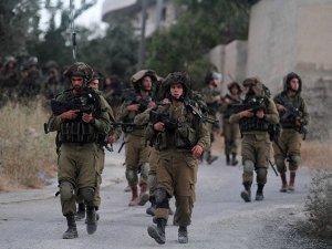 Batı Şeria'da Filistinli Bir Genç Şehit Edildi