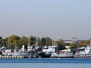 Donanmada 'Kumpas' Sürtüşmesi