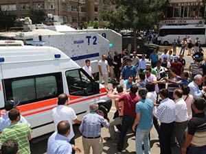Otobüs Şoförleri Diyarbakır Belediyesini Bastı