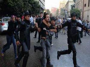 Mısır'da Darbe Karşıtı 131 Kişiye Gözaltı