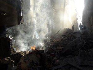 Esed Güçlerinin Saldırılarında 65 Kişi Şehit Oldu