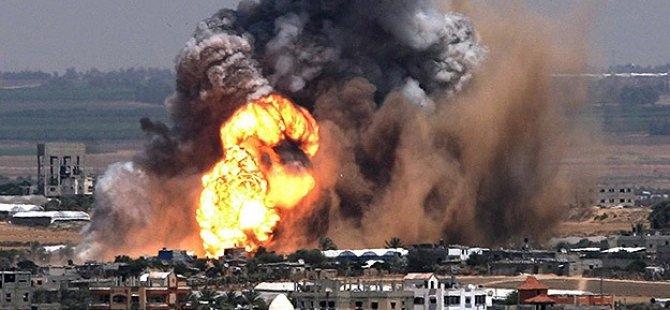 İsrail, Gazze Şeridi'ne Bomba ve Füze Yağdırıyor