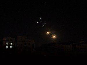 Hamas'tan Siyonist İsrail'e Karşı Saldırı