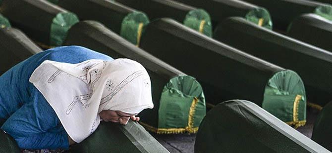 Srebrenitsalı Annelerden Papa'ya Çağrı