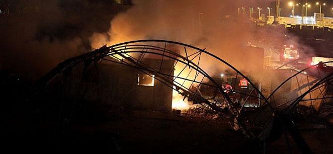 Gazze'ye 23 Saatte 322 Saldırı