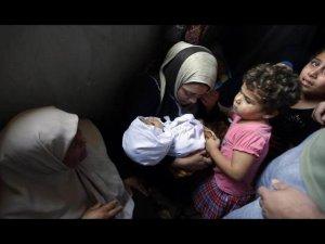 Gazze'de Çocuklar Siyonistlerin Hedefi Oldu (FOTO)