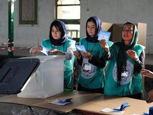 Afganistan'da Oylar Yeniden Sayılacak
