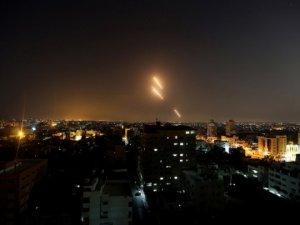 Siyonist İsrail Yasak Silah ve Roketler Kullandı