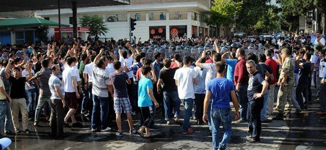 Faşistlerin 'Suriyelileri İstemiyoruz' Eylemine Müdahale