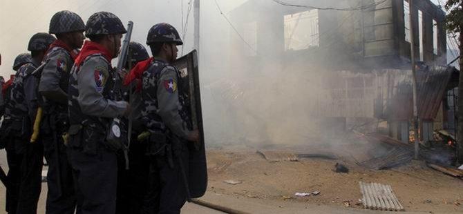 Myanmar'da 34 Gözaltı