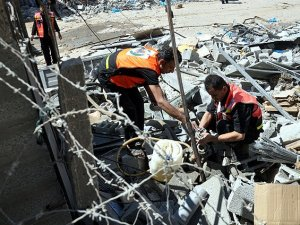Siyonist İsrail, Vefa Hastanesi'ni Bombaladı
