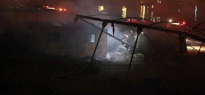 Siyonist İsrail Hücumbotları Deyr El-Belah'ı Hedef Aldı