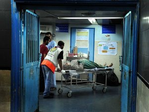 Siyonist İsrail: Hastaneyi Vuracağız Boşaltın
