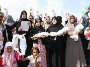Adana ABD Konsolosluğunda Kefenli Bebek Eylemi!