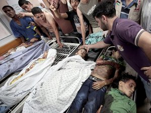 Siyonist İsrail Eş-Şati Mülteci Kampı'nı Vurdu: 10 Şehit