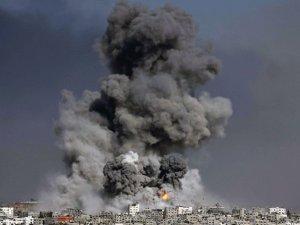 Siyonistler Gazze'deki 3 Cami ve Bir Okulu Bombaladı
