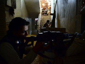 Direnişçilerden Halep ve Şam'da Esed'e Büyük Darbe