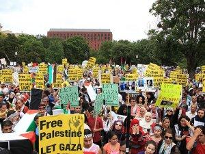 ABD'de 20 Bin Siyonist İsrail'in Saldırılarını Protesto Etti