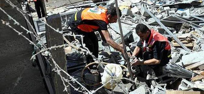 İsrail Hastane ve Ambulansları Vuruyor