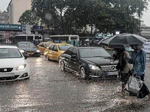 İstanbul Şiddetli Yağmurun Etkisi Altında