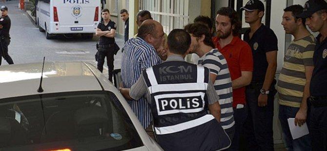 """""""Paralel Yapı"""" Operasyonunda 4 Polis Tutuklandı"""