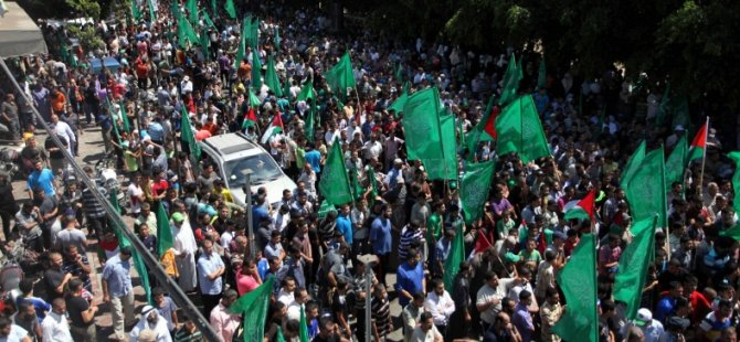 Siyonistlere Direnen Gazzeliler Meydanları Doldurdu