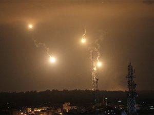 Siyonist İsrail, Gazze'yi Yeniden Vuruyor