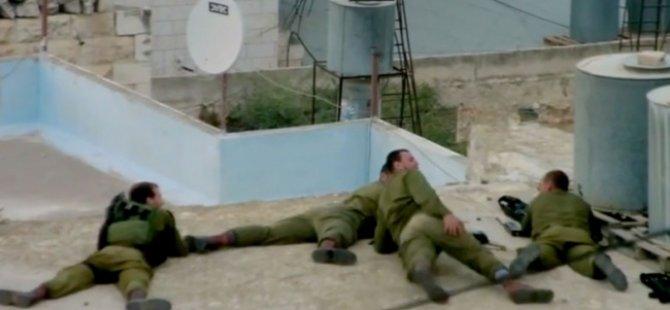 Siyonist İsrail Askerinin Kanlı Eğlencesi