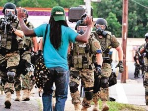 Batı Medyası ABD'deki Polis Zulmünü Görmedi!