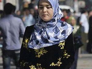 Kırım'da Başörtülü Kadınlara Polis Baskısı