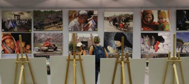 Taksim'de R4BIA Sergisine Yoğun İlgi (FOTO)