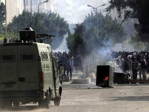 Mısır'da Baltacılar ve Polis Protestoculara Saldırdı: 1 Şehit