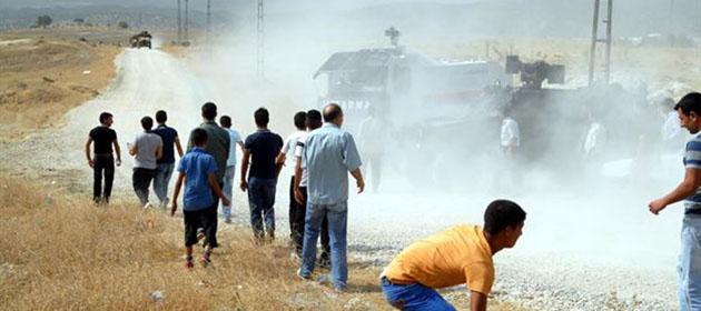 Lice'deki PKK'lı Heykeli Yıkıldı; Bir Kişi Öldü