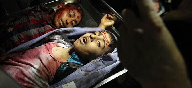 İsrail Gazze'de Aynı Aileden 7 Kişiyi Katletti