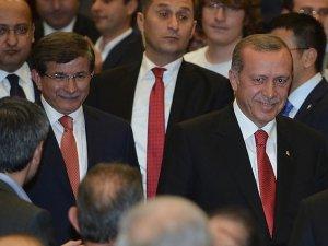 Türkiye'yi Mükemmel Örnek Gibi Görme Hafifliği...