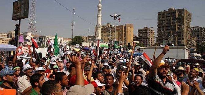 Mısır'da Darbe Karşıtı Gösterilerde 1 Şehit, 35 Gözaltı