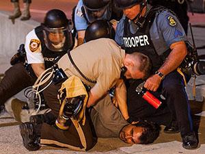 Ferguson'daki Olay İfade Özgürlüğüne Bir Darbe
