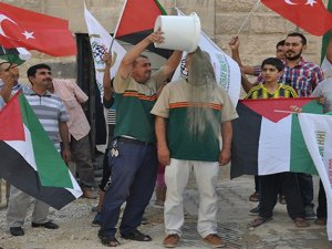 """Gazze İçin """"Bir Kova Kum Kampanyası"""""""