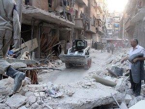 """Suriye'de """"Varil Bombalı"""" Saldırıda En Az 30 Kişi Öldü"""