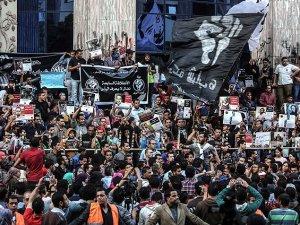 Mısır'da 6 Nisan Hareketi Üyesi 15 Kişi Gözaltına Alındı