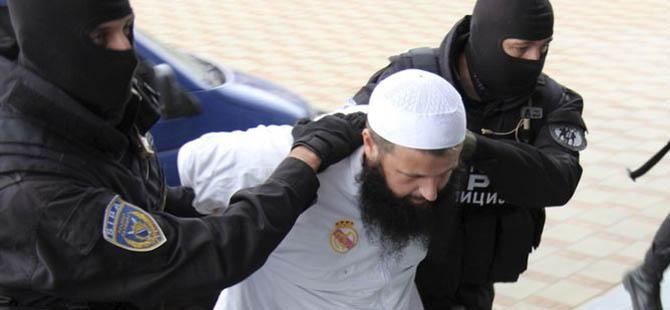 Bosna'da 16 Müslüman Tutuklandı