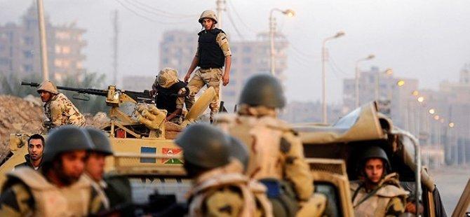 Mısır'da Cunta Güçleri 16 Kişiyi Öldürdü