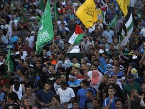 Siyonist İsrail'den Cenaze Törenine Saldırı