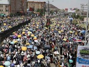 Yemen'de On Binlerce Kişi Birlik ve İstikrar Mesajı Verdi