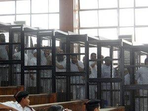 Mısır'da Darbe Karşıtı 68 Kişiye Hapis Cezası