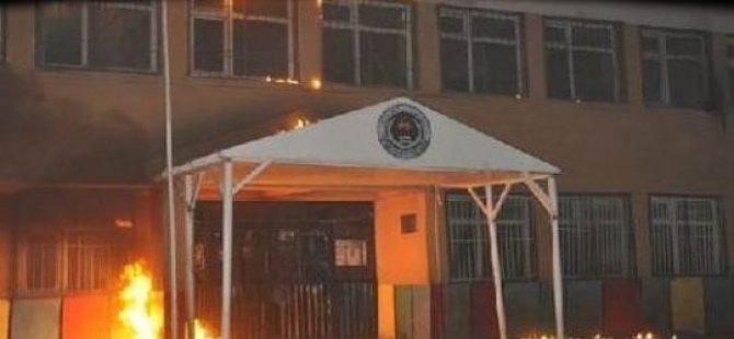 PKKli Grup Yüksekova'da 4 Katlı Okulu Yaktı
