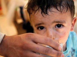 Esed Rejimi Yermuk Kampı'na 10 Gündür Su Vermiyor
