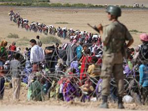 Sınırda Bekleyenlerin Geçişlerine İzin Verildi