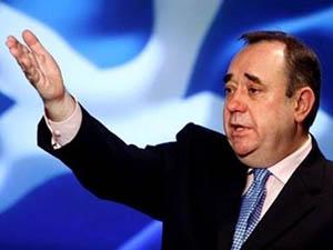 İskoçya Başbakanı İstifa Etti!